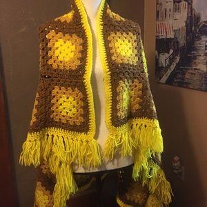 Vintage granny square blanket shawl fringe wrap